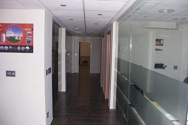 Alquiler de nave industrial en massanassa con oficinas for Oficinas prop valencia
